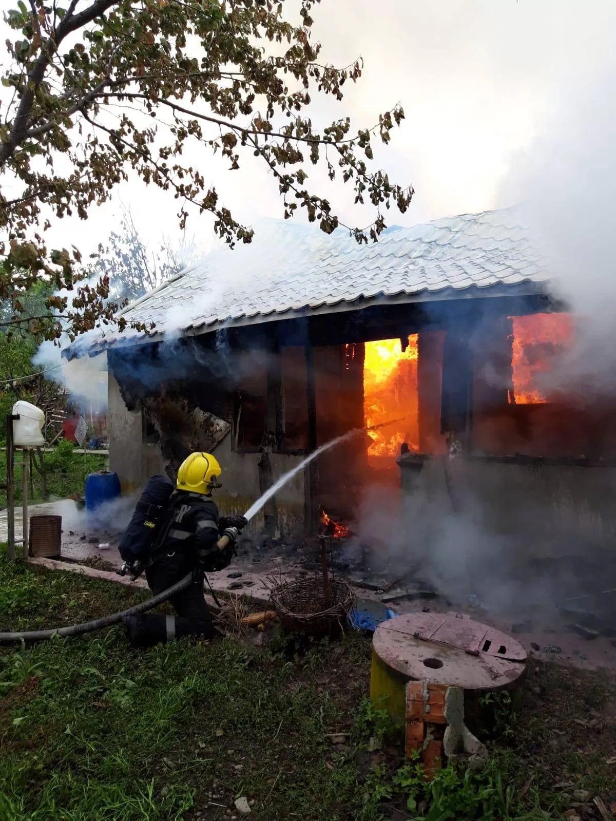 Incendiu violent în comuna Colceag