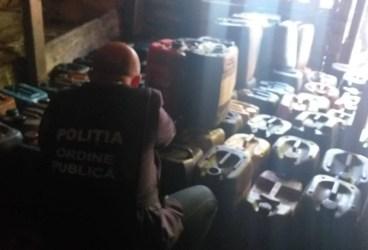 Percheziţii la persoane bănuite de furturi petroliere