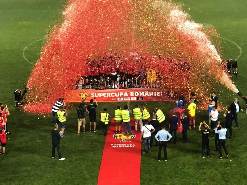 """Viitorului îi priește de minune pe """"Ilie Oană"""". După prima Cupă a României, din istorie, a câștigat și cea dintâi Supercupă, în dauna campioanei CFR!"""