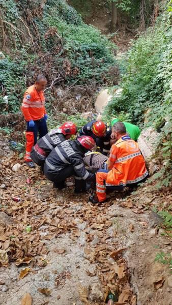 Prăbuşit 15 metri în gol, într-un canal de irigaţii dezafectat, la Valea Călugărească