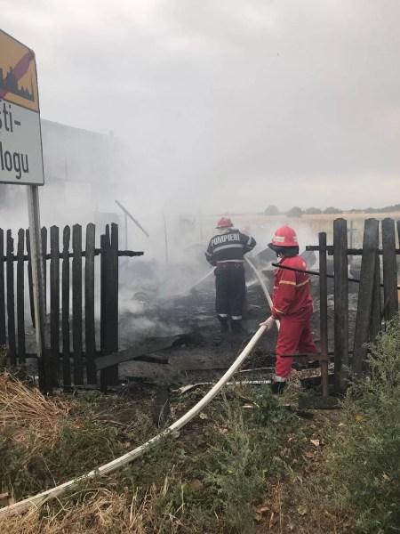 A ars service-ul auto de la intrarea în Albeşti-Paleologu (imagini)