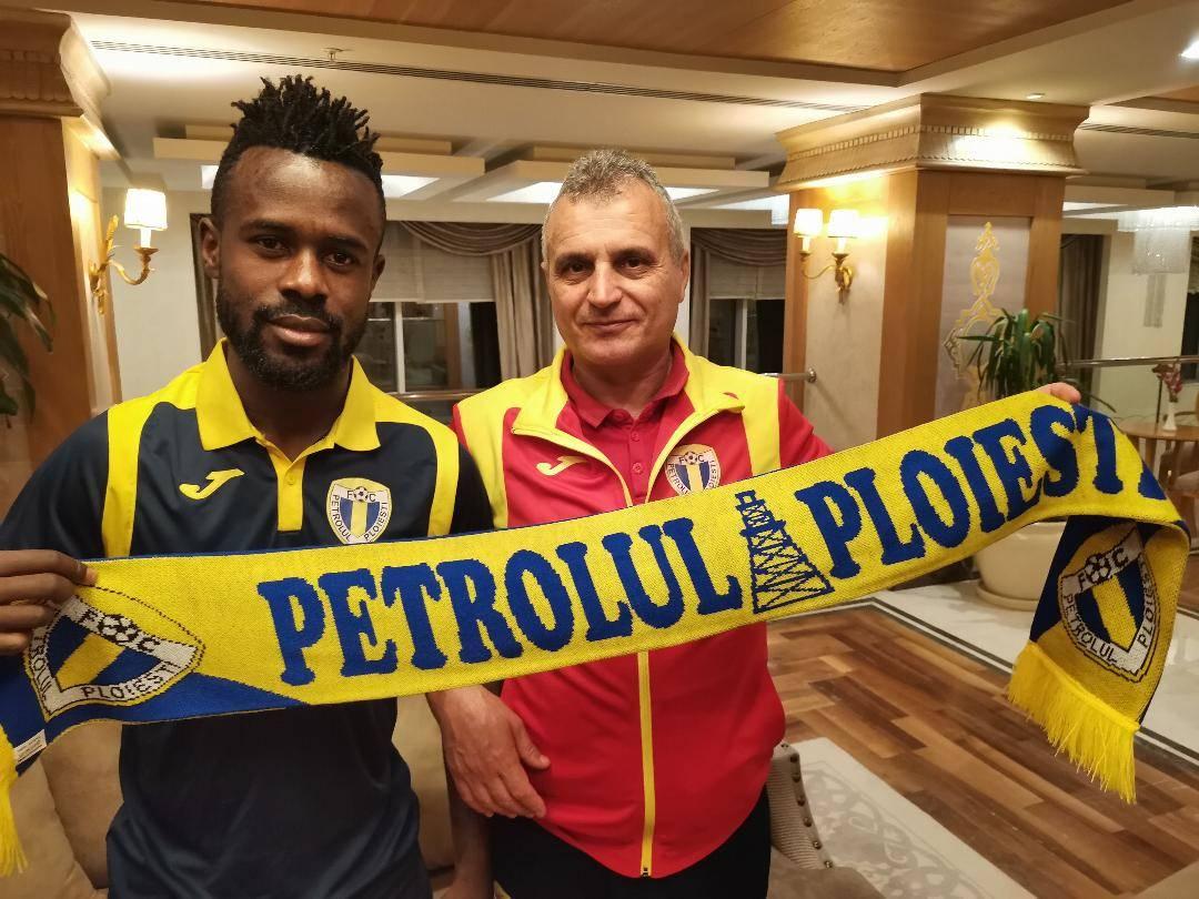 """""""Pat"""" și """"Patachon"""" au fost prezentați oficial pe siteul www.fcpetrolul.ro! Serge Yvann Ekollo Malolo va juca până la finele sezonului în curs, iar Andrei Răuță – și în Liga 1, dacă """"lupii"""" promovează la vară"""