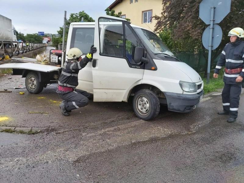 Imagini de la accidentul de astăzi, de la Bărcăneşti