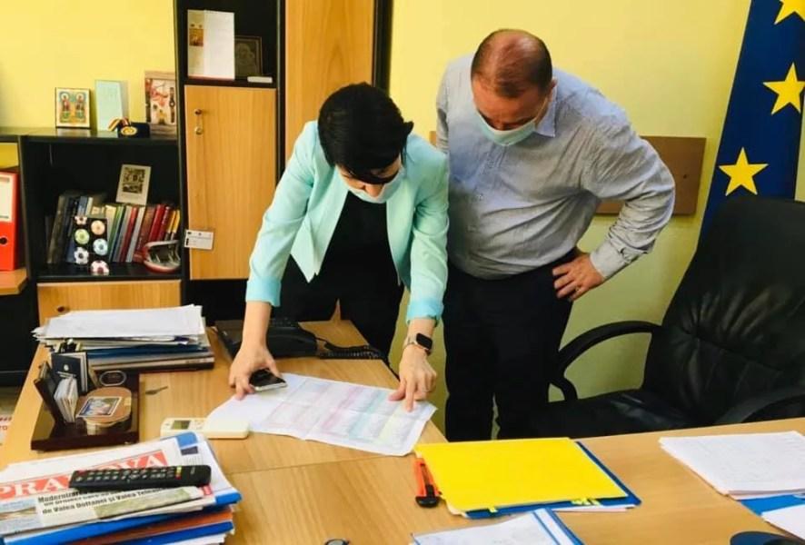 Ministrul Muncii, Violeta Alexandru, felicită public Casa de Pensii Prahova