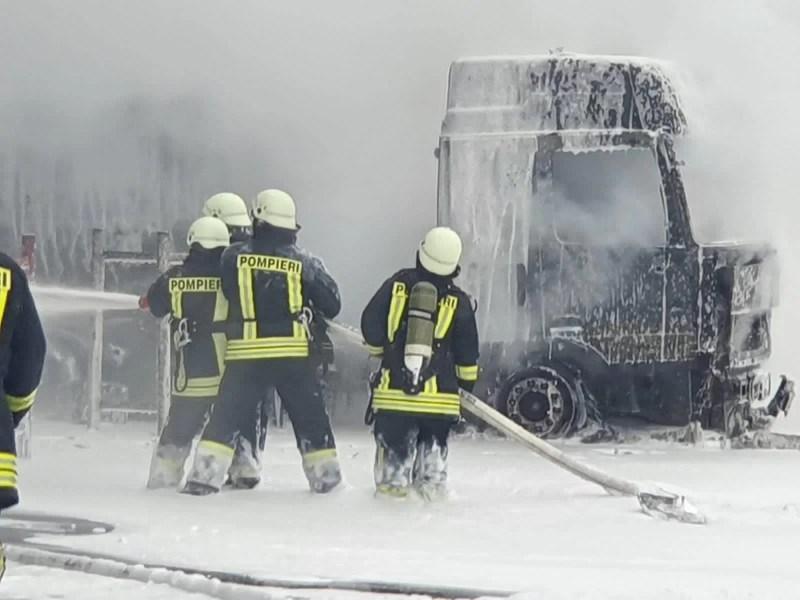 Imagini de la incendiul din Rafinăria Petrotel-Lukoil