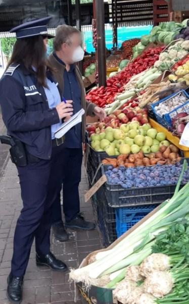 Primarul Volosevici încearcă să salveze de la închidere piețele și Halele Centrale