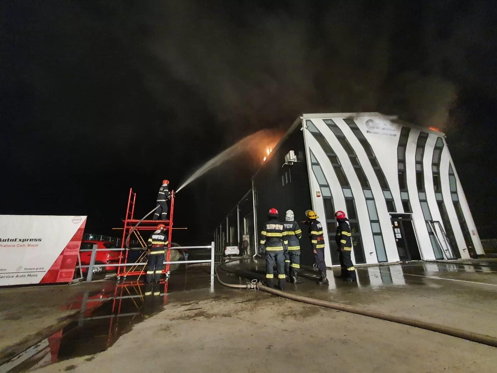 Azi noapte, incendiu la un service auto din vecinătatea Ploieștiului
