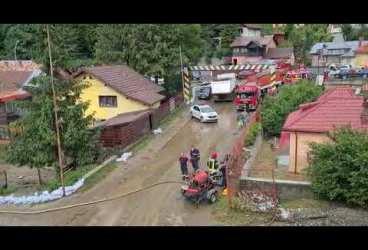 Inundații masive au devastat stațiunea Bușteni