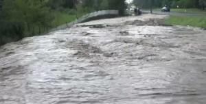Cod galben de inundaţii pe râuri din șase judeţe, până sâmbătă