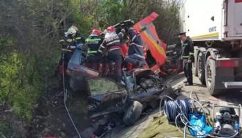 accident_saru Șapte mașini avariate de un TIR