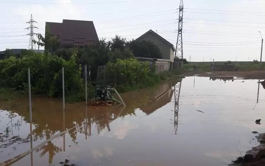 zeci de locuinte inundate