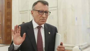 Stănescu:' Noi, politicienii, am greșit'