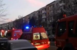 Incendiu în Slatina, locatarii unui bloc au fost evacuați