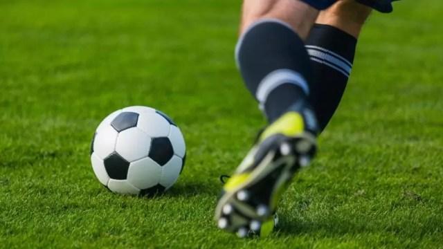 fotbal_-_poza_teren Fotbal: CSM Slatina, victorie în deplasare