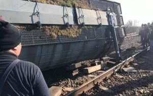 Dosar penal deschis în cazul trenului deraiat între Drăgănești și Fărcașele