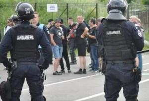 Jandarmii, în mijlocul oltenilor pentru a le oferi mai multă siguranță