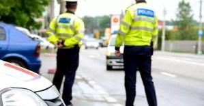 Cei patru polițiști prinși în flagrant se… mânjeau cu câte 100 de lei