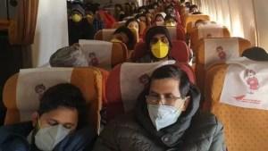 Guvernul pregăteşte autocare pentru repatrierea a sute de români