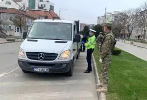 """Militarii Batalionul 22 Infanterie """"Romanați"""", pe străzile din Caracal şi Slatina"""