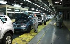 Criză fără precedent la Dacia, din cauza pandemiei: vânzările au scăzut cu aproape 50%