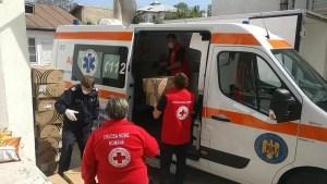 Crucea Roșie Olt alături de eroii în alb din prima linie