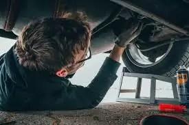 Firmele de construcții și service-urile auto, verificate de ITM