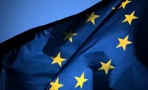 UE acordă împrumuturi de 3 miliarde de euro pentru a ajuta zece ţări vecine şi partenere