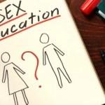Vot final în Parlament: Dispare 'educația sexuală' în școli, apar 'programe de educație pentru viață' doar cu acordul scris al părinților