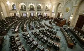 VOT în Senat: Data alegerilor parlamentare va fi stabilită de Legislativ, nu de Guvern