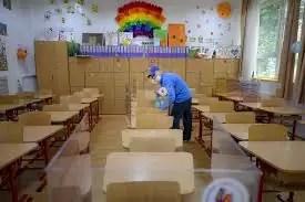 Slatina, Vădăstrița, Izvoarele și Balș- primele cazuri de COVID 19 în școli