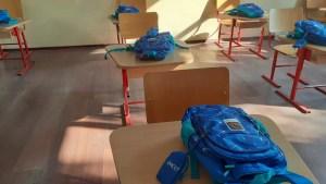 Elevii din clasa pregătitoare din 10 comune au primit ghiozdane din partea TMK -ARTROM
