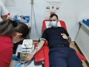 Jandarmii au donat sânge la Slatina