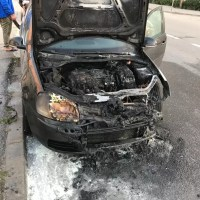 O mașină a luat foc, în Slatina
