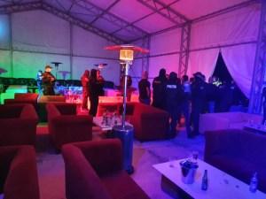 Coronavirus: petrecere cu peste 170 de persoane, într-un club din Corabia, spartă de oamenii legii