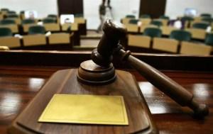 14 inculpați trimiși în judecată în dosarul de corupție cu permise și înmatriculări auto