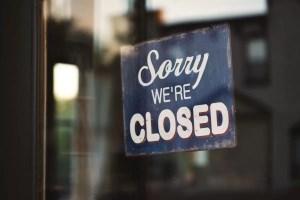 Restaurantele s-ar putea închide din nou, după explozia cazurilor de Covid-19