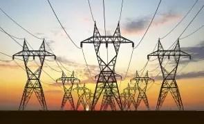 Vești proaste pentru români: cresc facturile de la energia electrică pentru toată lumea