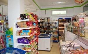 Un supermarket din Caracal și un magazin din Izbiceni amendate pe inspectorii DSVSA