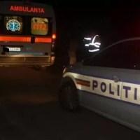 Accident MORTAL: Două autoturisme s-au ciocnit violent, iar unul a fost proiectat într-un depozit