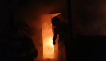 2172F60F-570E-4563-9496-6D0FDF309530 Ore întregi s-au chinuit pompierii cu flăcările iadului