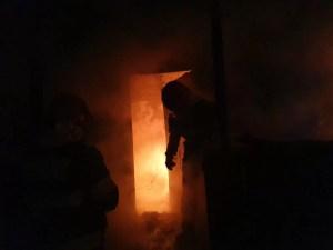 Incendiu puternic în comuna Priseaca