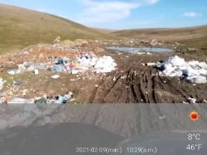 Terenuri inundate de gunoaie. O primărie din Olt a fost amendată