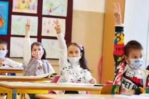 Un senator oltean subliniază bâlbele ministeriale la redeschiderea școlilor