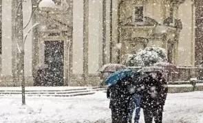 Meteorologii au emis cod GALBEN de ninsori și viscol în patru județe