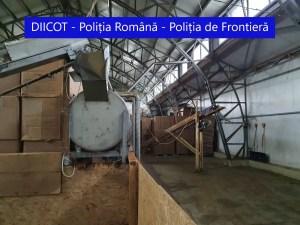 Percheziţii în Olt într-un dosar ce vizează o reţea de contrabandă şi producere de ţigări