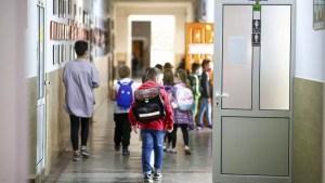 Sorin Cîmpeanu: Toți elevii se vor putea întoarce la școală a doua zi după scăderea ratei de infectare sub 1 la mie