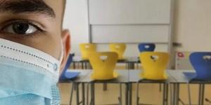 """Părinții acuză PROFESORII de la școlile de stat: ,,La stat se face școală de mântuială"""""""