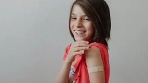 Vaccinarea copiilor cu vârste între 12 și 15 ani a început