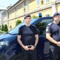 Doi jandarmi din Slatina au acordat primul ajutor unei bătrâne de 82 de ani