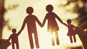Siminica Mirea și Paul Stănescu, co-inițiatorii proiectului de lege pentru sprijinirea familiilor cu copii